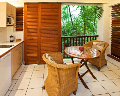 palm-cove-accommodation-spa-suite (6)
