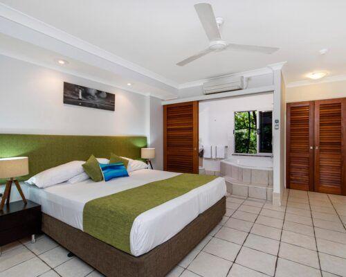 palm-cove-accommodation-spa-suite-unit-36 (1)