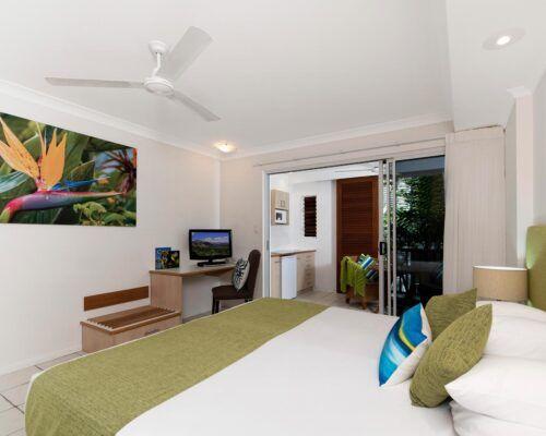 palm-cove-accommodation-spa-suite-unit-36 (4)