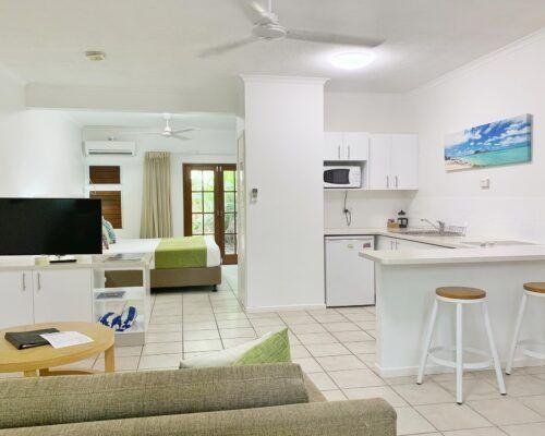 palm-cove-accommodation-studio-apartment (21)