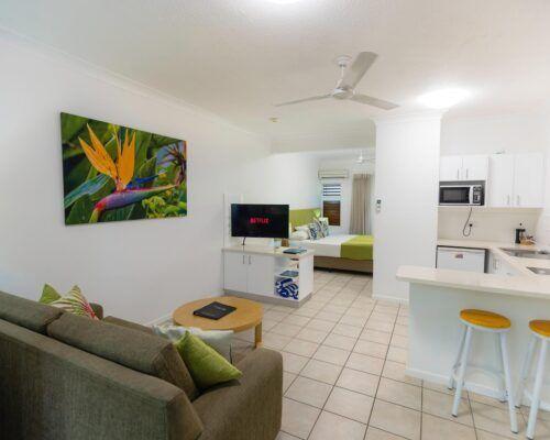 palm-cove-accommodation-studio-apartment (3)
