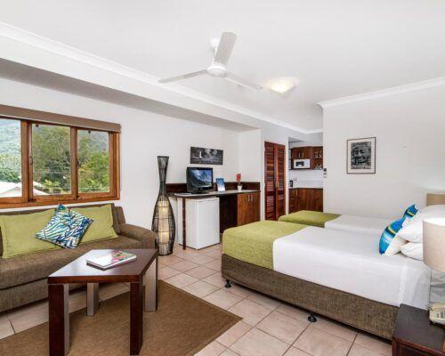 palm-cove-accommodation-studio-apartment-unit-21 (4)