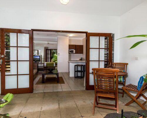 palm-cove-accommodation-studio-apartment-unit-5 (1)