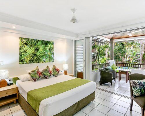 palm-cove-accommodation-superior-spa-suite (13)