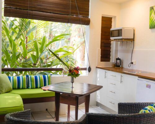 palm-cove-accommodation-superior-spa-suite (17)