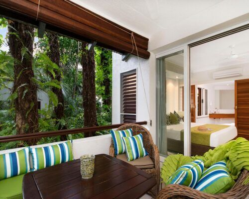 palm-cove-accommodation-superior-spa-suite-25 (1)
