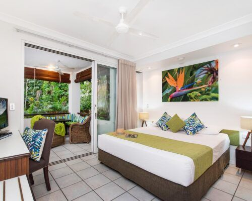 palm-cove-accommodation-superior-spa-suite-25 (3)