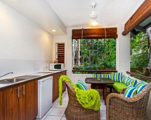 palm-cove-accommodation-superior-spa-suite-25 (4)