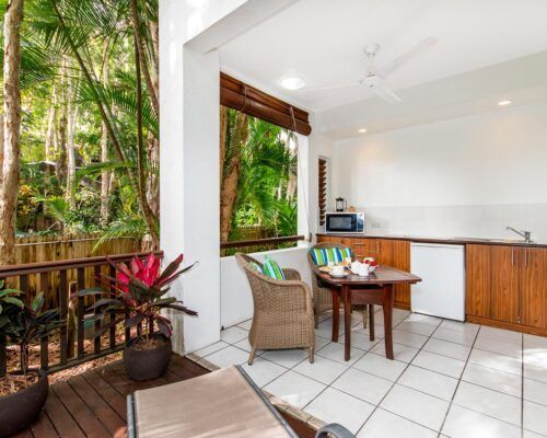 palm-cove-accommodation-superior-spa-suite-27 (1)