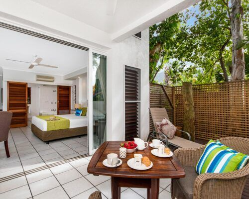 palm-cove-accommodation-superior-spa-suite-27 (2)