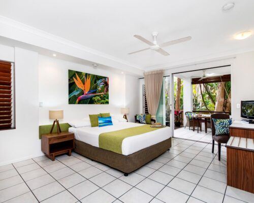 palm-cove-accommodation-superior-spa-suite-27 (4)