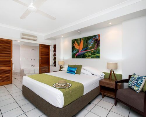 palm-cove-accommodation-superior-spa-suite-27 (5)