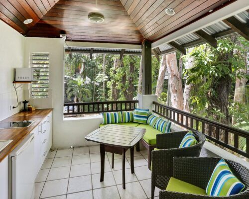 palm-cove-accommodation-superior-spa-suite-28 (5)