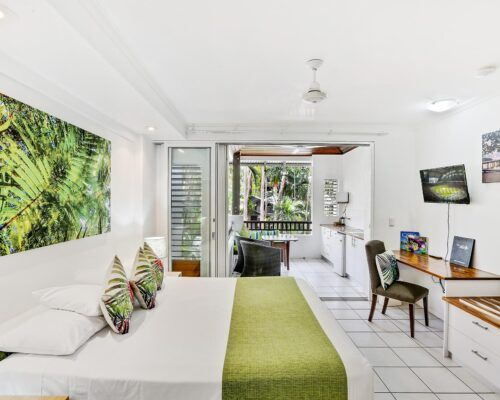 palm-cove-accommodation-superior-spa-suite-29 (1)