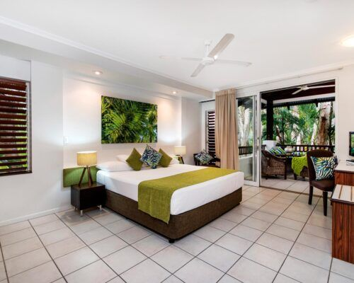 palm-cove-accommodation-superior-spa-suite-30 (1)