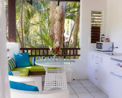 palm-cove-accommodation-superior-spa-suite-30 (10)