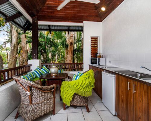 palm-cove-accommodation-superior-spa-suite-30 (2)