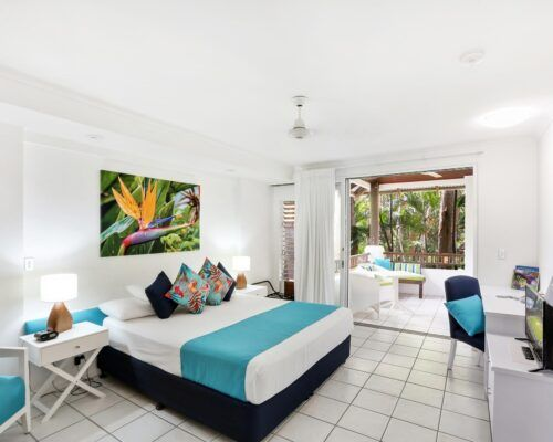 palm-cove-accommodation-superior-spa-suite-30 (5)