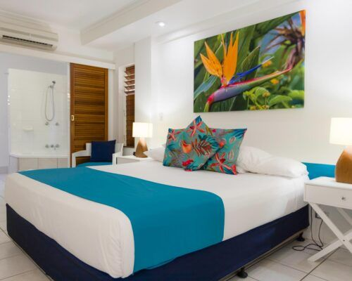 palm-cove-accommodation-superior-spa-suite-30 (9)
