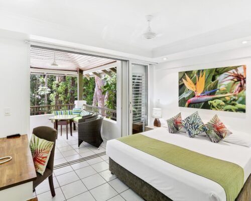 palm-cove-accommodation-superior-spa-suite (8)