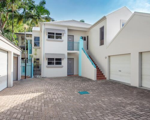 palm-cove-accommodation-town-house-(10)
