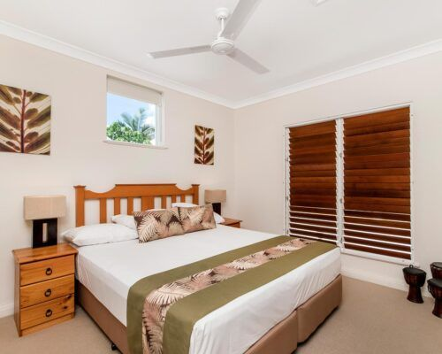 palm-cove-accommodation-town-house-(15)