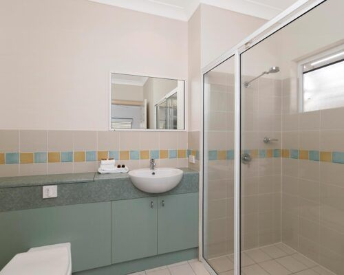 palm-cove-accommodation-town-house-(18)