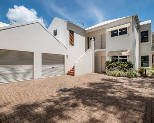 palm-cove-accommodation-town-house-(19)