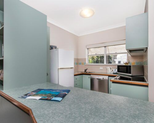 palm-cove-accommodation-town-house-(20)