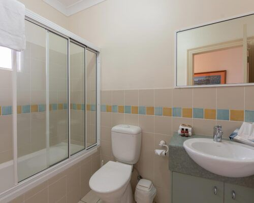 palm-cove-accommodation-town-house-(3)