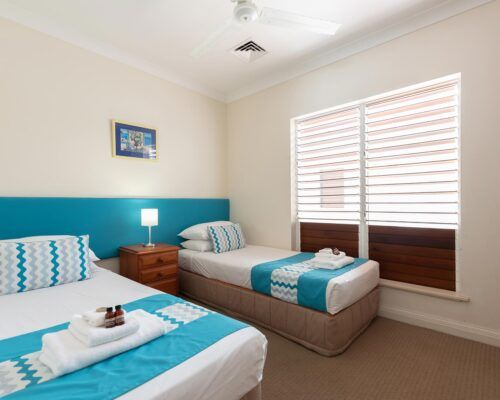 palm-cove-accommodation-town-house-(5)