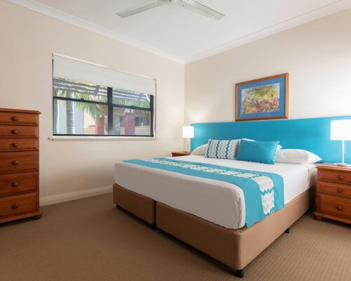palm-cove-accommodation-town-house-(6)